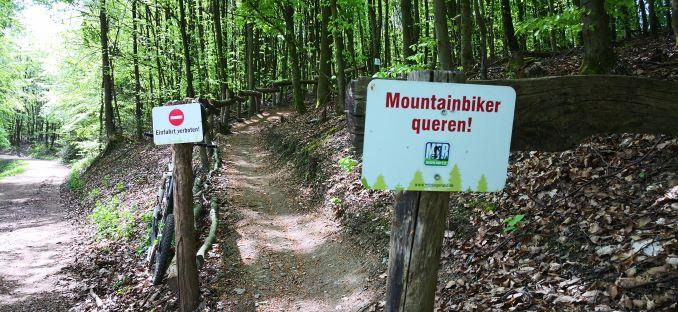 Gute Beschilderung der Trail Strecke.