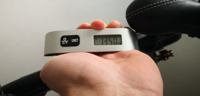 Gewicht mit Reisewaage nachgewogen. 13,5 Kilogramm